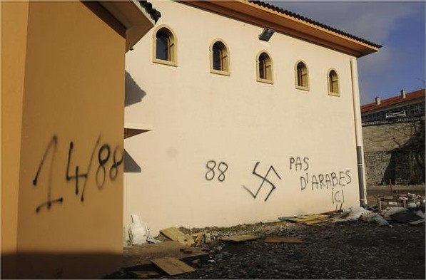 tags-nazis-mosquee-villeneuve-sur-lot