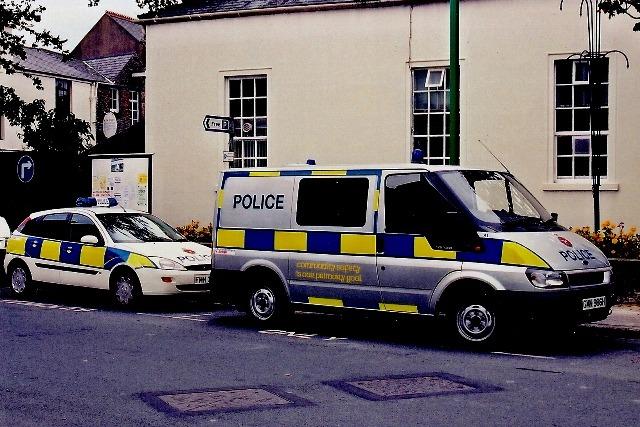 Police_van_web