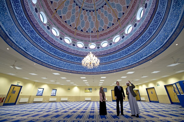 Cameron_mosque_AFP