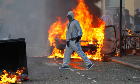 Riots-break-out-in-north--007